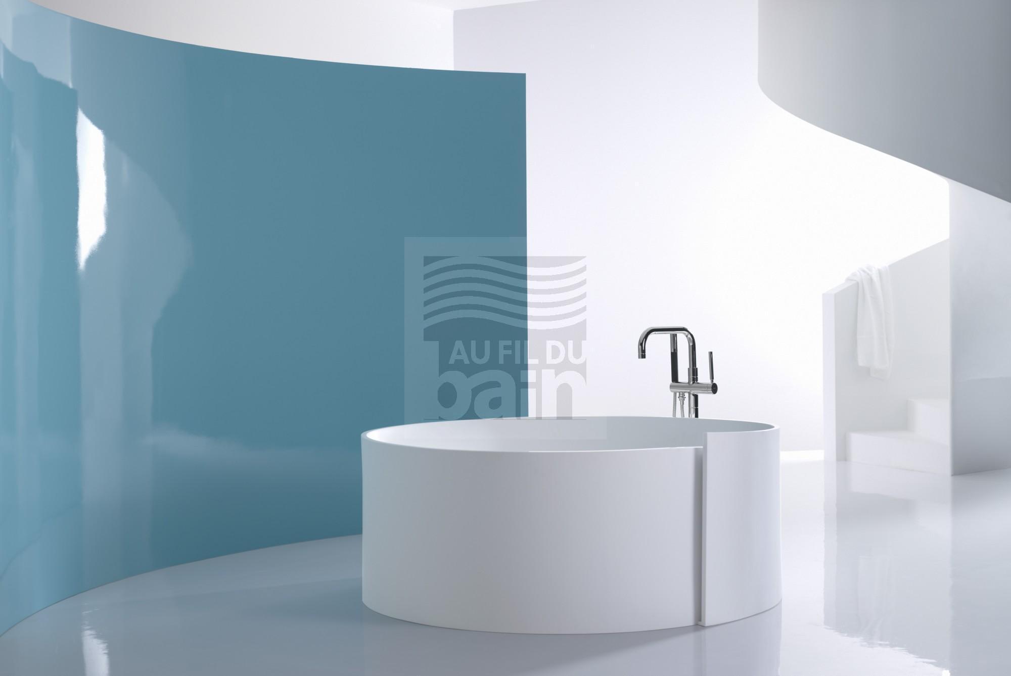 baignoires en ilot en materiaux de synthese magasin pour vente de meubles de salle de bains. Black Bedroom Furniture Sets. Home Design Ideas