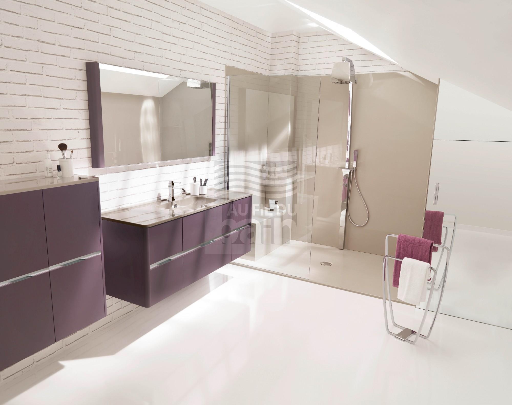 Meubles de salle de bains suspendus double vasque avec plan en beton de synthese ambiance bain - Plan salle de bain moderne ...